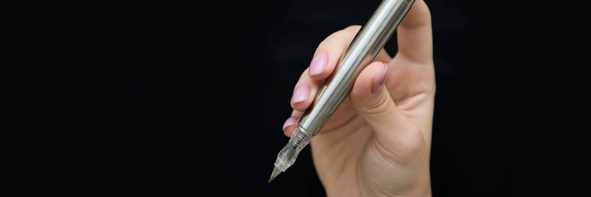 Penna per sopracciglia